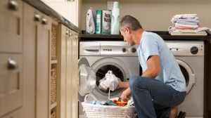 gty_man_chores_laundry_nt_120628_wblog